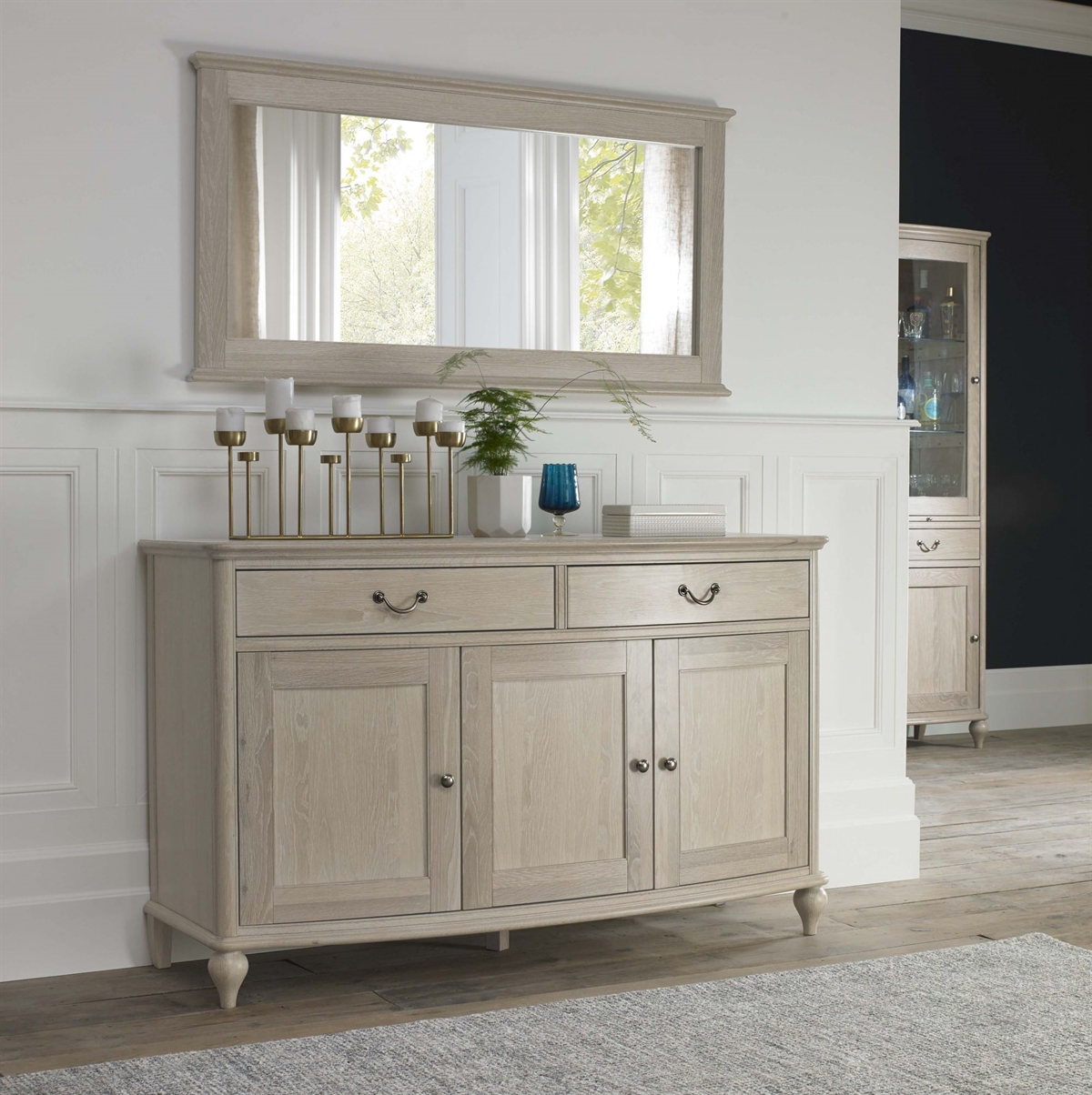 Bordeaux Wide Sideboard